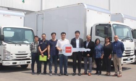 Entrega Isuzu 5 camiones a Optimo Autopartes
