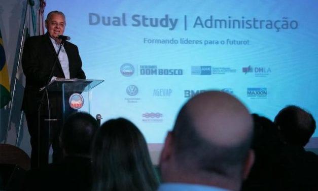 Inaugura VWCO formación Dual Universitaria