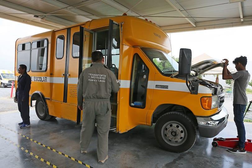 Iniciará AET revisión del transporte escolar en NL