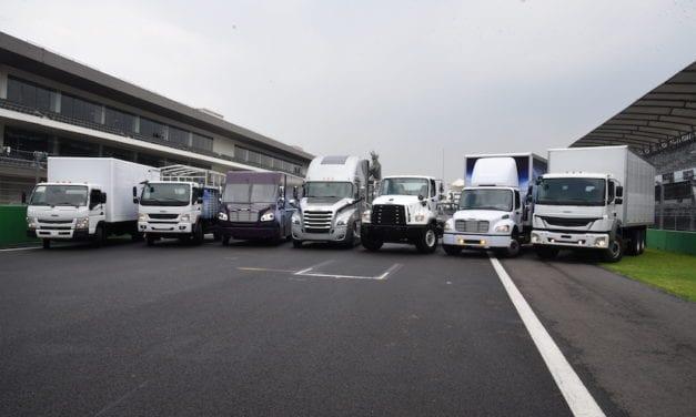 Apuesta Freightliner por la productividad, versatilidad y uptime