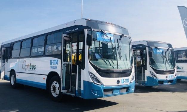 Mercedes-Benz entrega autobuses al Corporativo Transporta