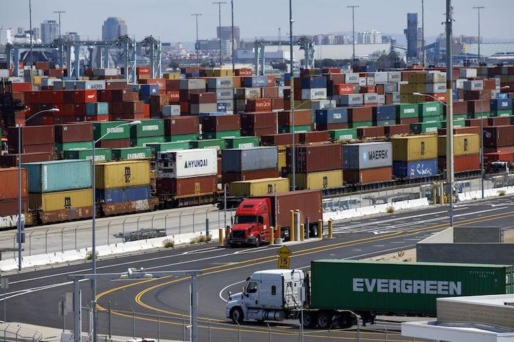 Más camiones Near Zero en transporte portuario