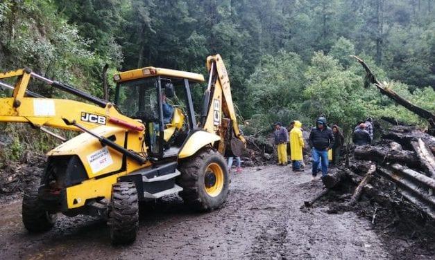 Reabren carreteras federales afectadas por Narda