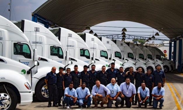 50 unidades Kenworth para Auto Express Oriente