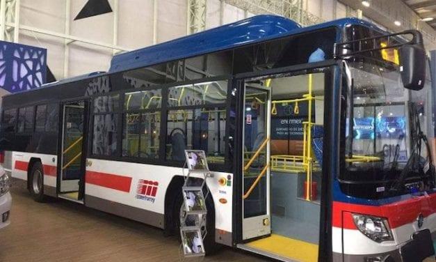 Recibe AET llave simbólica de 34 autobuses para Transmetro
