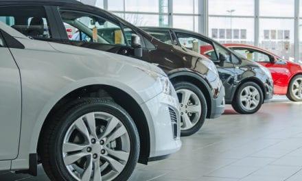 Retrocede comercialización de vehículos nuevos