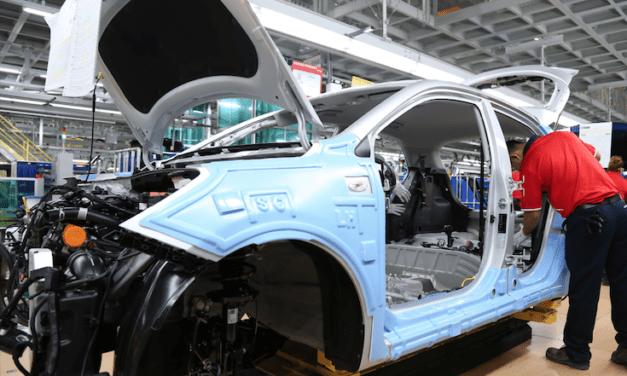 México, EU y Canadá preparan reapertura de la industria automotriz
