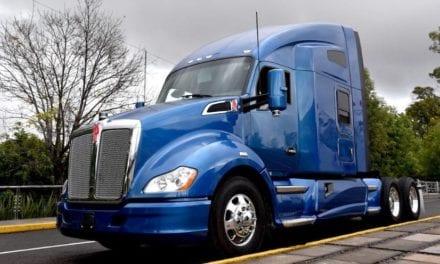 Presentó Kenworth el primer camión autónomo en México