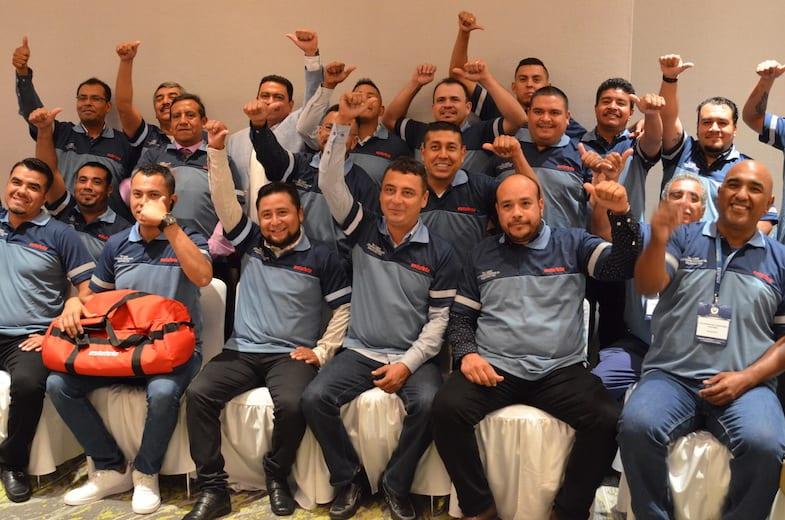 Operadores de Estafeta ganan Premio Nacional de Seguridad Vial