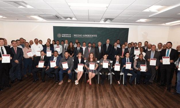 Certifican Transporte Limpio de 30 empresas
