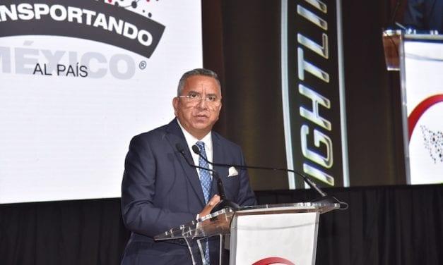 Freightliner fortalece al autotransporte nacional