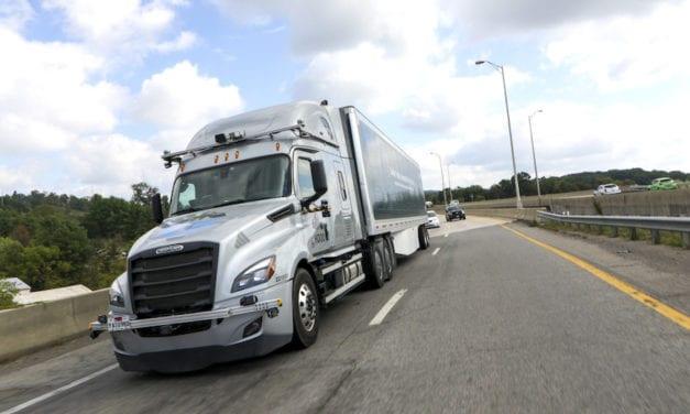 Incrementará Daimler Trucks pruebas con tecnología automatizada