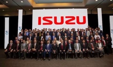 Isuzu premia desempeño de sus concesionarios