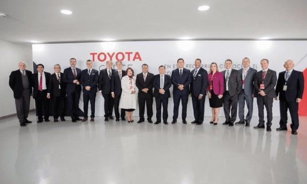 Inaugura Toyota su segunda planta en México