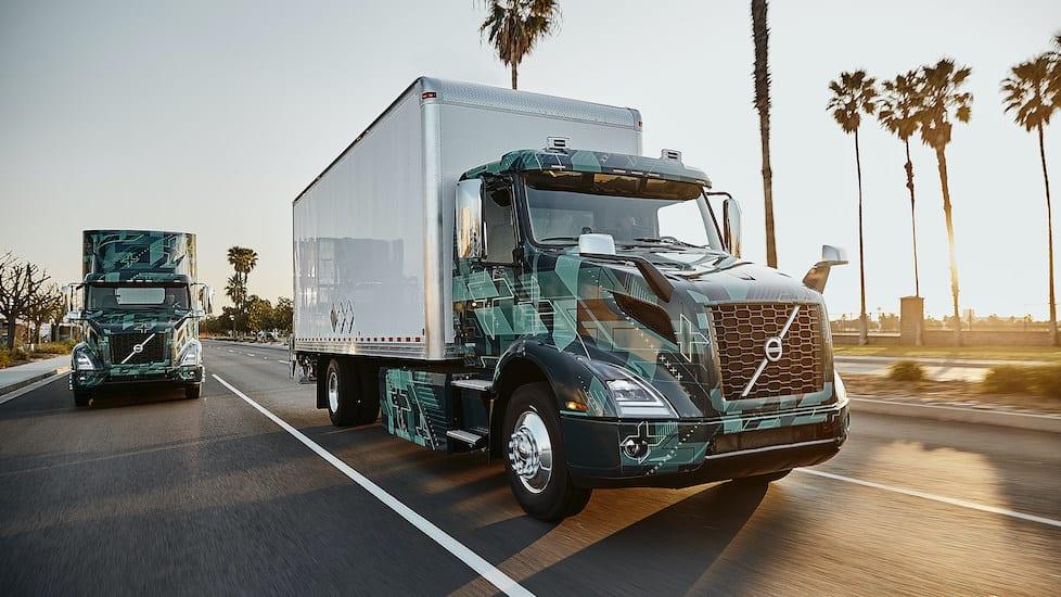 Exhibe Volvo Trucks North America sus camiones eléctricos VNR