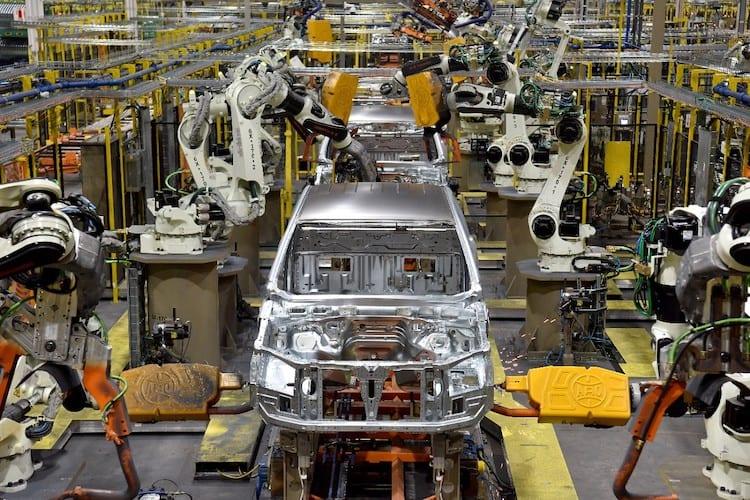 Cambio de fecha frena reinicio del sector automotor en Norteamérica