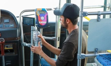 Instalan dispensadores de gel en transporte público de Querétaro