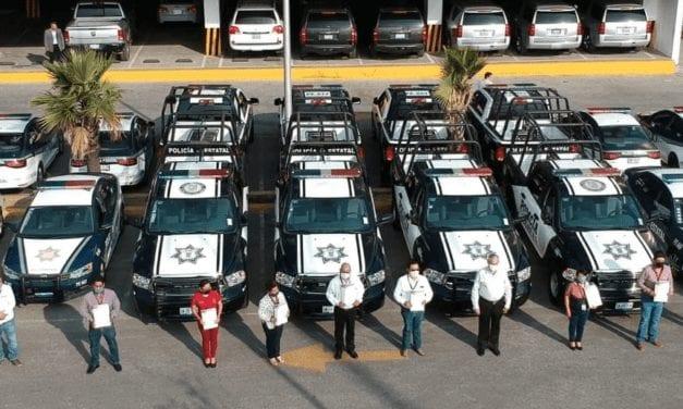 Entregan patrullas a 16 municipios de Puebla
