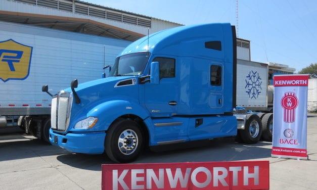 Royal Transports refrenda alianza con Kenworth
