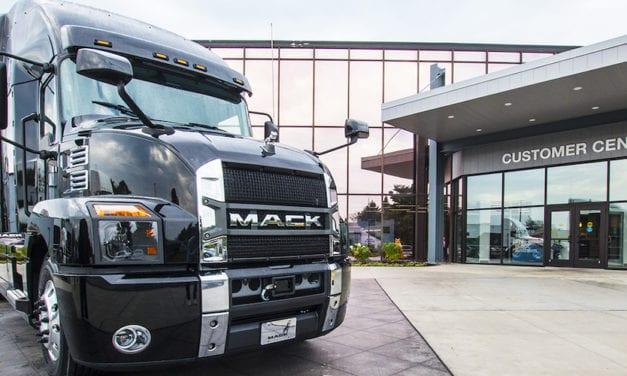 Solidaridad de Mack Trucks con centros de salud