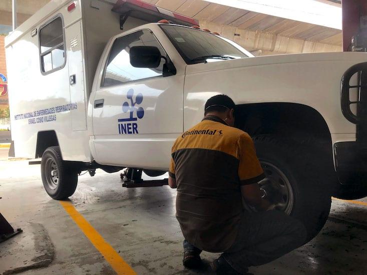 Continental donó al INER llantas para ambulancias