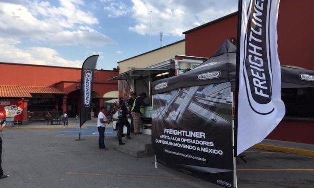 Entregó Freightliner 2,700 kits en apoyo a operadores