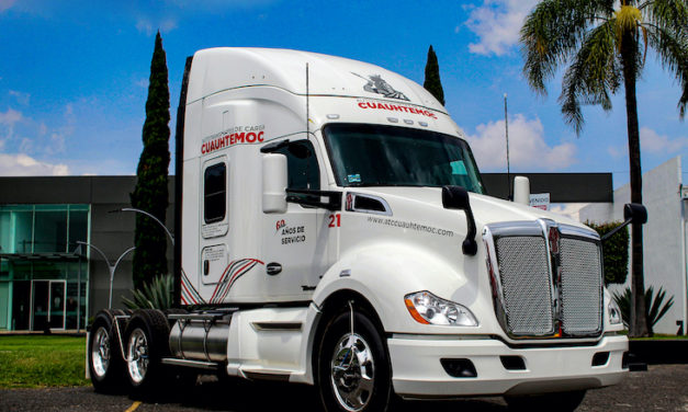 Celebra Autotransportes de Carga Cuauhtémoc con Kenworth