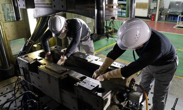 Nuevo proceso de Nissan en la producción de piezas de fibra de carbono