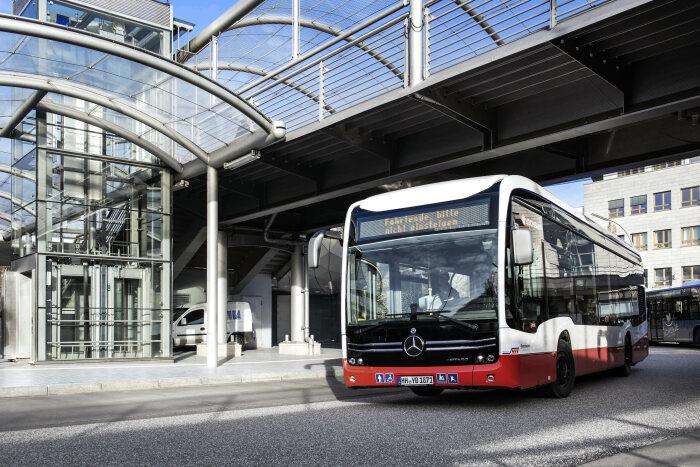 eCitaro de Mercedes-Benz «electrifica» Hamburgo