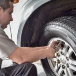 Cambiar una llanta en siete pasos con la ayuda de Bridgestone