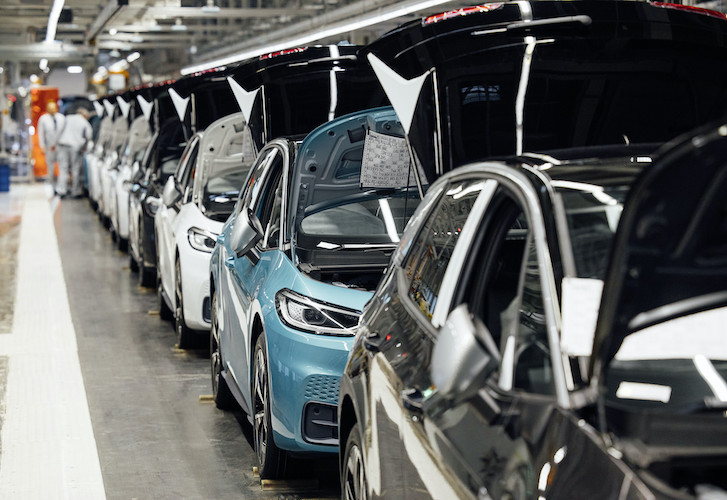 Venta de vehículos ligeros sigue en zona negativa