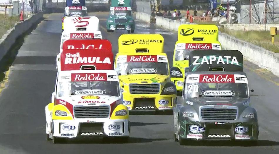 Después de dos segundos lugares en la Temporada 2020 de la Súper Copa, Santiago Tovar subió a lo más alto del podio para recibir su trofeo en la carrera de tractos en la fecha que se llevó a cabo este domingo en el Autódromo de Monterrey.