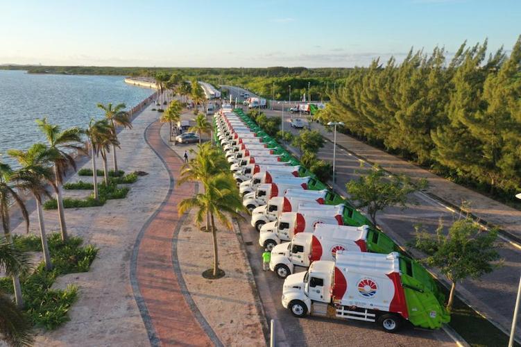 Banderazo de salida a 60 camiones de Red Ambiental