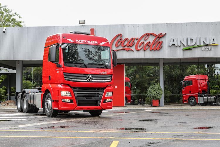 Coca-Cola Andina recibe 10 extra pesados Meteor