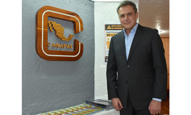 José Lucio Rodríguez asume presidencia de Canapat