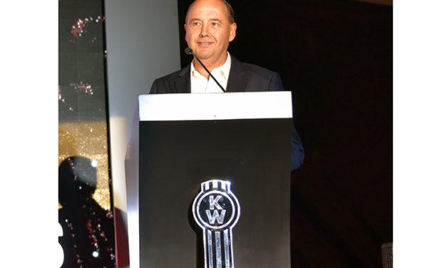 Retiro de Marco Dávila tras 30 años en PACCAR