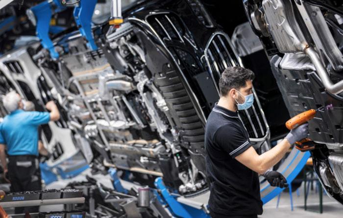 Festejan producción 50 millones de autos Mercedes