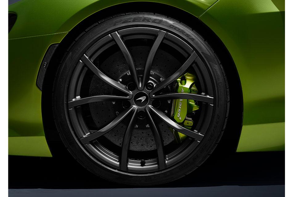 Pirelli suministra neumáticos inteligentes con Cyber Tire