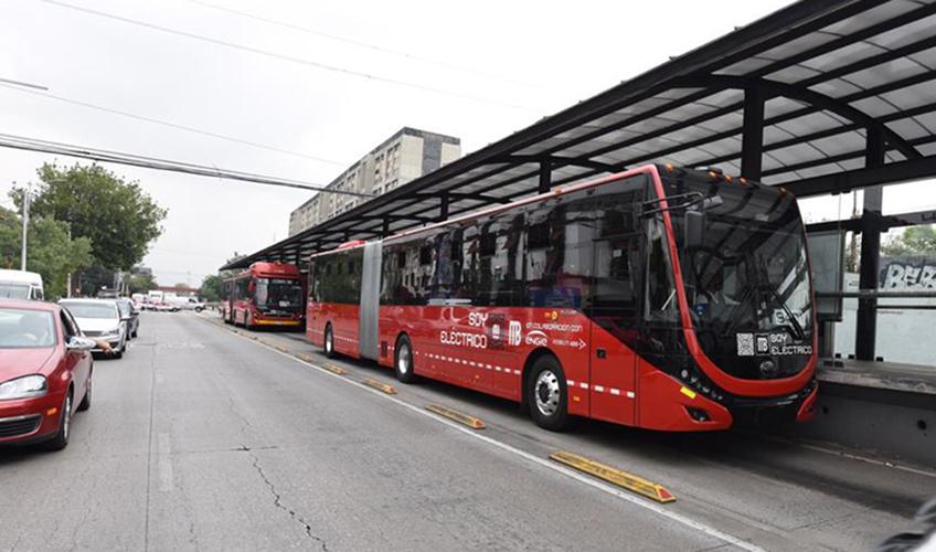 106 autobuses adicionales tiene Metrobús