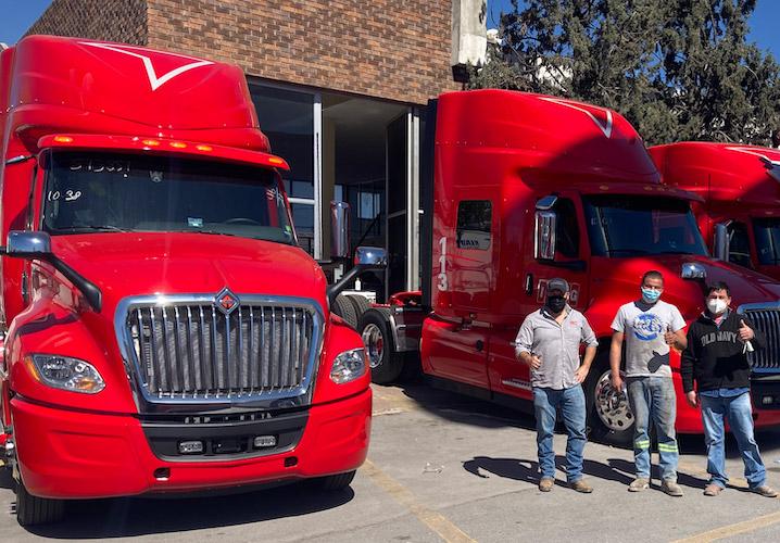 Navistar y Sierra Norte entregan unidades