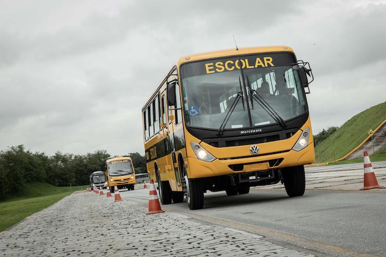 Para transporte de estudiantes 700 autobuses VW