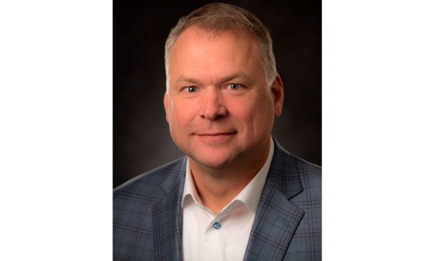 Randy DeBortoli es jefe de Ingeniería en DTNA
