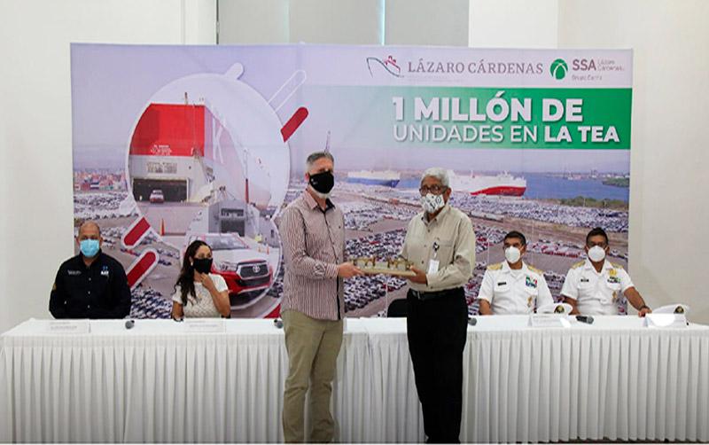 TEA de Lázaro Cárdenas recibe vehículo un millón