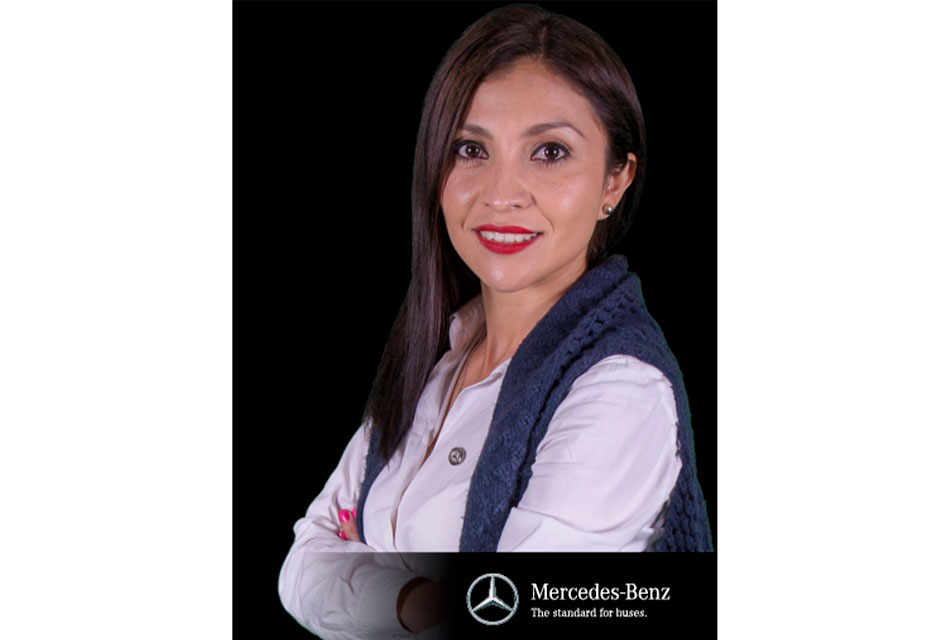 Mbenz- Karina Velázquez