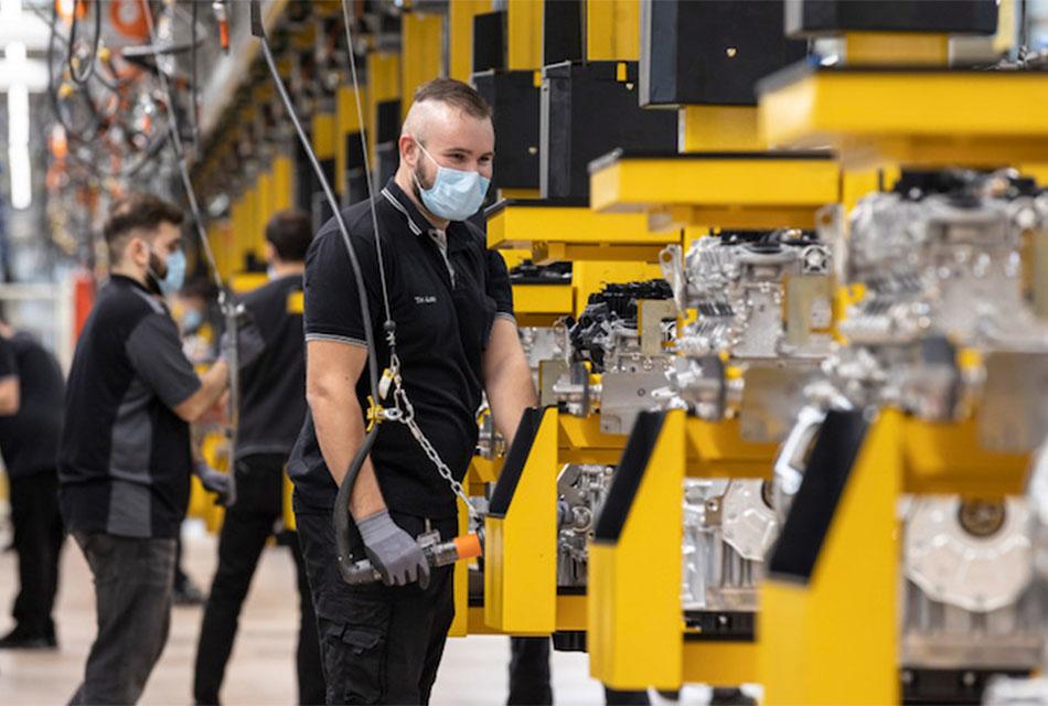 Genera industria automotriz 2 millones de empleos