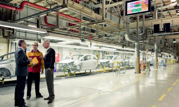 Definen nuevos desafíos en la industria automotriz