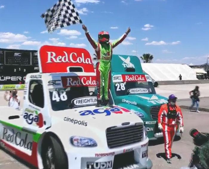 De Alba gana la carrera de los Tractos Freightliner