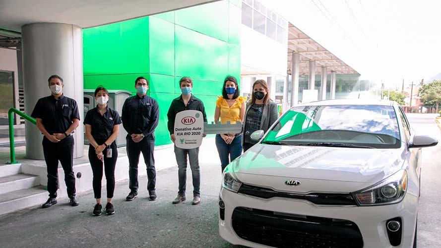 KIA dona 2 autos y es Socio Formador de Tecmilenio