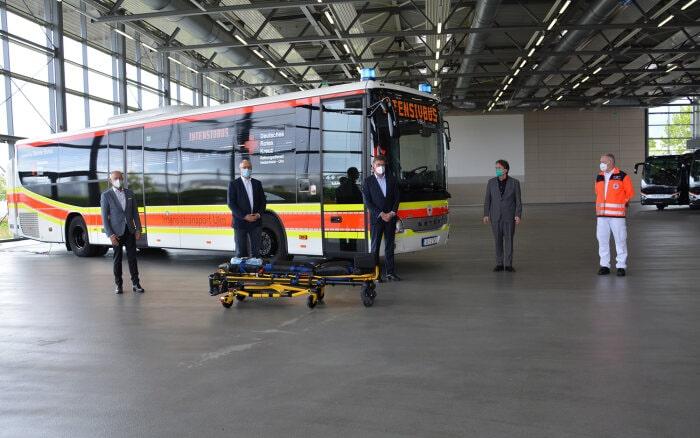Mercedes-Benz-Autobuses-Setra-Low-Entry-Ambulancia-2.jpg