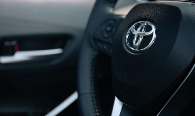 Híbridos electrificados impulsan ventas de Toyota